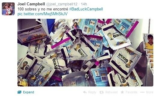 Joel Campbell, da Costa Rica, frustrado por não ter tirado sua figurinha