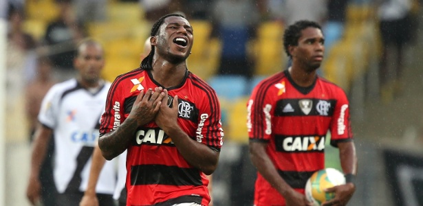 Amaral deixa o Flamengo para atuar por um ano com a camisa do Vitória-BA