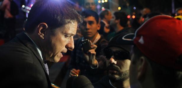 Juninho Paulista, gestor do Ituano, dá entrevistas antes da festa do título do Paulistão