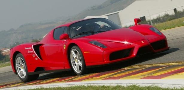 Ferrari Enzo do mesmo modelo que pertence ao estilista Tommy Hilfiger