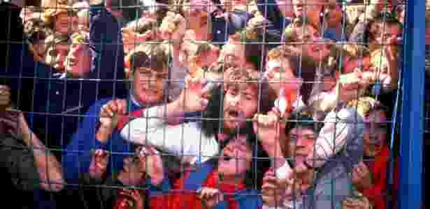 Torcedores do Liverpool foram vítimas da super lotação no estádio - David Cannon/Allsport