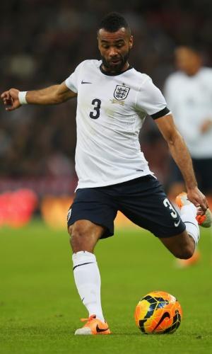 Ashley Cole em amistoso entre Inglaterra e Dinamarca, em 2014