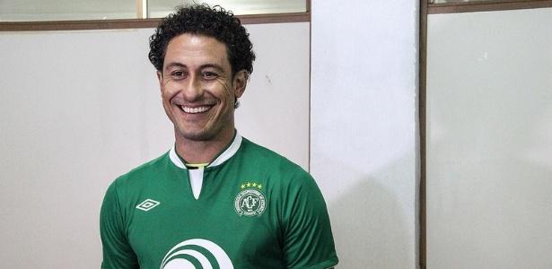 Lauro, que defendeu a Chapecoense, está na mira do Atlético-MG