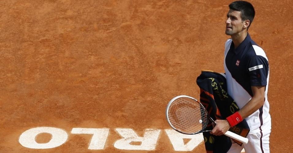 Novak Djokovic durante partida contra Albert Montañes