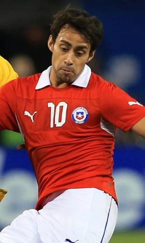 Valdivia atua pelo Chile diante do Brasil, em 2013