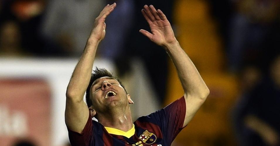 16.abr.2014 - Messi lamenta chance perdida no clássico entre Barcelona e Real Madrid pela final da Copa do Rei
