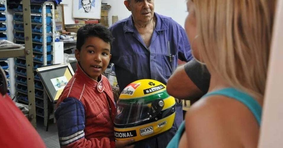 Senna vira guru de jovens que nasceram depois da morte do piloto