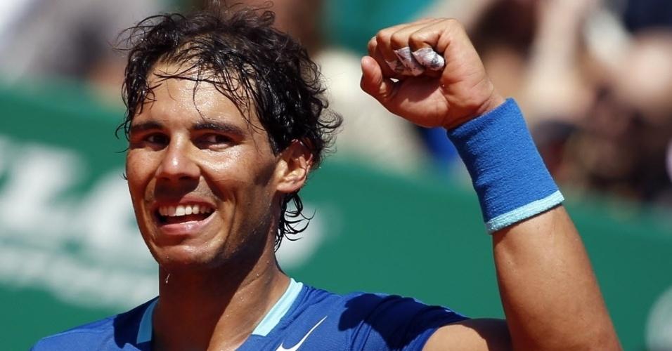 17.abr.2014 - Rafael Nadal comemora após vencer o italiano Andreas Seppi no Masters 1000 de Monte Carlo