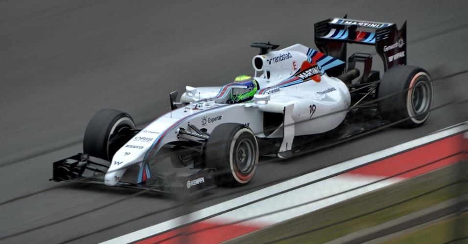 18.abr.2014 - Felipe Massa acelera sua Williams pelo circuito de Xangai durante os treinos livres para o GP da China