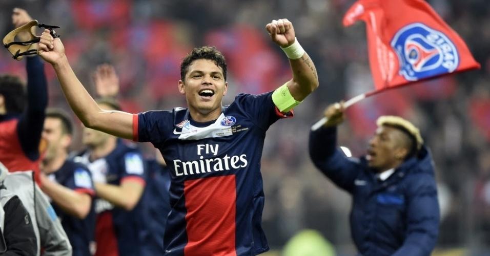 19. abr. 2014 - Brasileiro Thiago Silva comemora título da Copa da Liga Francesa pelo PSG