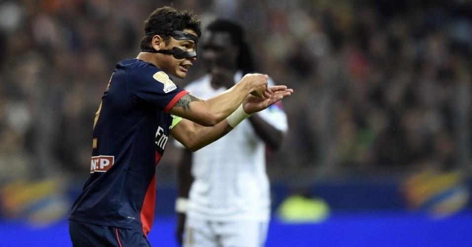 19. abr. 2014 - Brasileiro Thiago Silva gesticula em campo durante a final da Copa da Liga Francesa entre PSG e Lyon