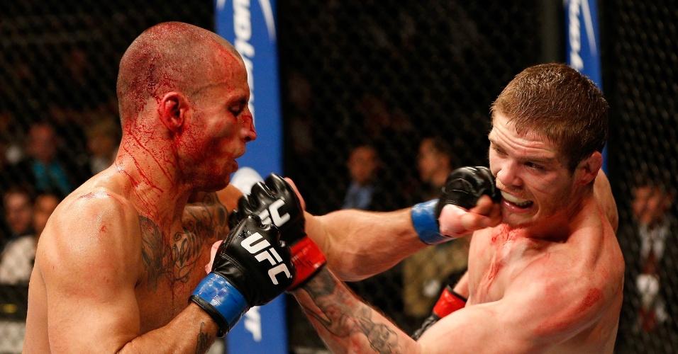 19.abr.2014 - Hernani Perpétuo foi o primeiro brasileiro a subir no octógono no UFC: Werdum x Browne. Perpétuo começou mal a luta, se recuperou no terceiro round, mas foi derrotado por Jordan Mein no card preliminar