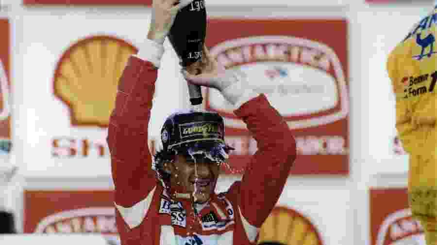 Mais Senna no pódio em Interlagos: o tradicional banho de champagne - Jorge Araújo/Folhapress