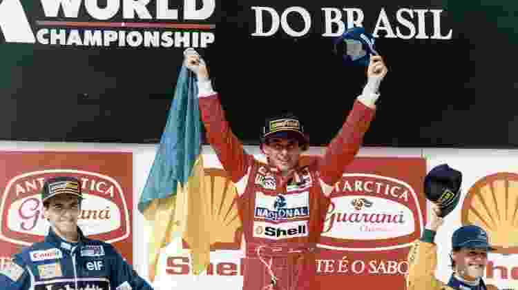 O último: a alegria de Senna no pódio de Interlagos em 1993, na corrida que marcou sua segunda e última vitória em GPs do Brasil (detalhe para os futuros campeões mundiais, Damon Hill e Michael Schumacher, no pódio) - Jorge Araújo/Folhapress - Jorge Araújo/Folhapress