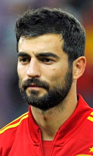 10.set.2013 - Raúl albiol, da Espanha, ouve o hino nacional do seu país antes do amistoso contra o Chile em Genebra
