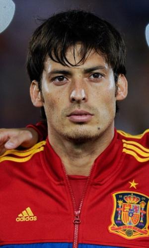 11.out.2013 - David Silva, da Espanha, fica perfilado antes da partida contra Belarus pelas eliminatórias da Copa do Mundo-2014