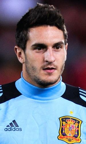 11.out.2013 - Koke, da Espanha, faz seu trabalho de aquecimento antes da partida contra Belarus pelas eliminatórias da Copa do Mundo-2014