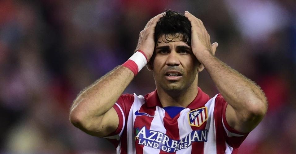 22.abr.2014 - Diego Costa lamenta chance perdida para o Atlético de Madri na partida contra o Chelsea pelas semifinais da Liga dos Campeões