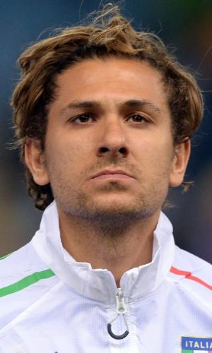 05.mar.2014 - Alessio Cerci, da Itália, se perfila antes do início do amistoso contra a Espanha em Madri