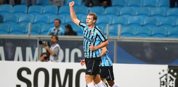 Centroavante Lucas Coelho foi pouco utilizado pelo Goiás e volta ao Grêmio em 2016