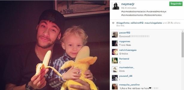 """Neymar apoia Dani Alves após lateral comer banana : """"somos todos macacos"""" - Reprodução/Instagram"""