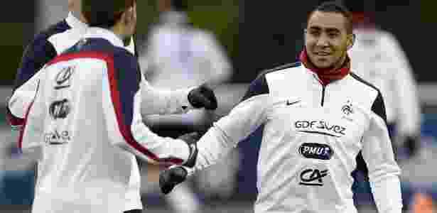 Payet (à dir.) vai jogar a Eurocopa pela seleção da França - FRANCK FIFE/AFP