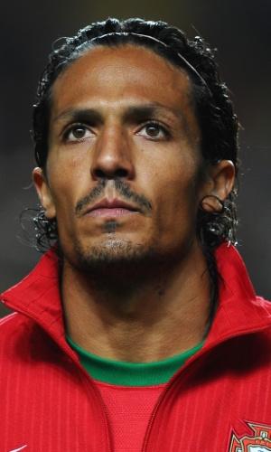 15.nov.2013 - Bruno Alves, de Portugal, fica perfilado antes da partida contra a Suécia pela repescagem da Copa do Mundo-2014