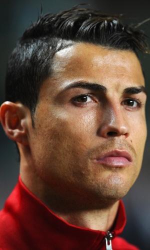 15.nov.2013 - Cristiano Ronaldo, de Portugal, se concentra antes do jogo contra a Suécia pela repescagem para a Copa do Mundo-2014