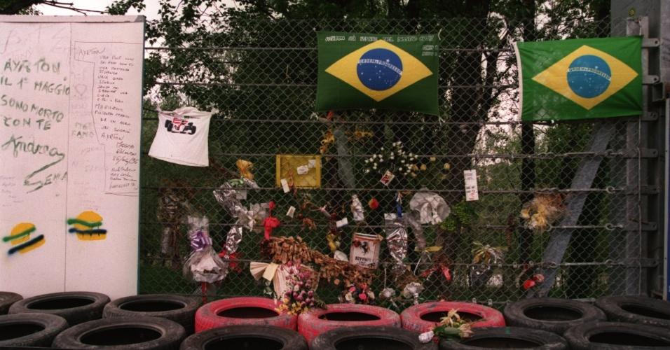 Em 1995, circuito de San Marino tem homenagens a Ayrton Senna, que morreu no ano anterior no local