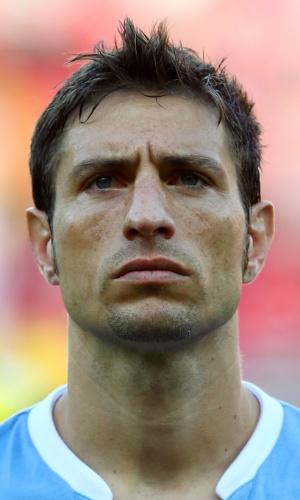 23.jun.2013 - Sebastián Eguren, do Uruguai, fica perfilado antes do jogo contra o Taiti pela Copa das Confederações