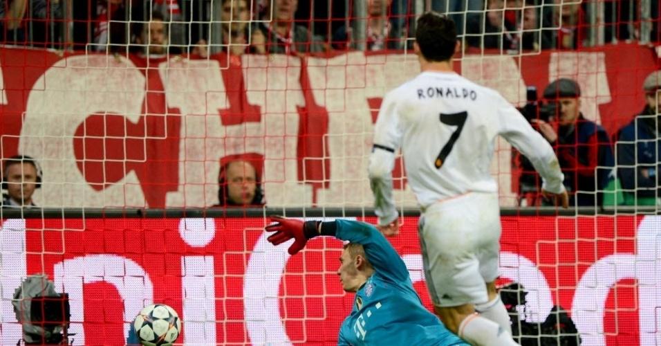 Ronaldo marca o terceiro do Real e se torna o o maior artilheiro em uma Liga (29.abr.2014)