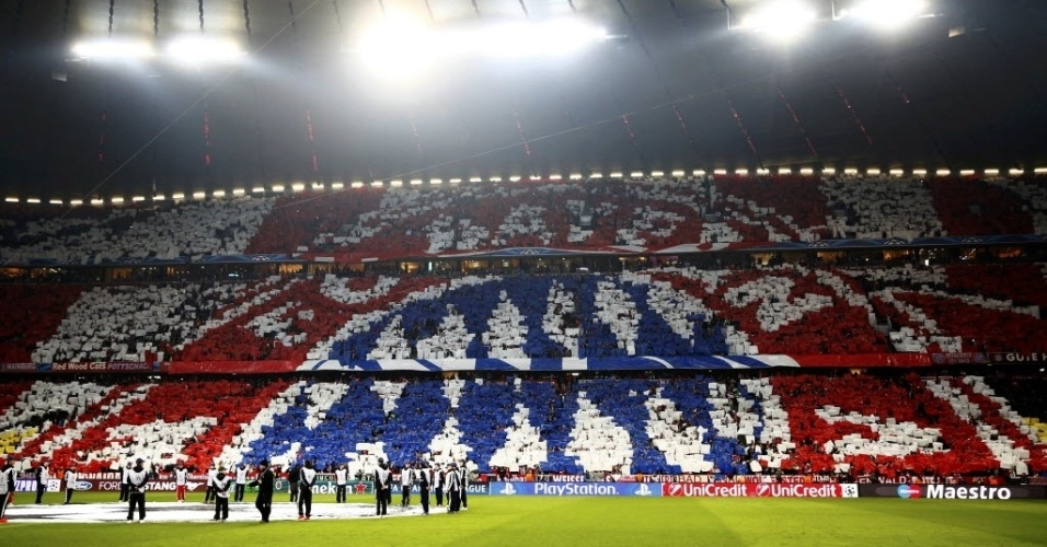 Bayern cria belo mosaico nas arquibancadas da Allianz Arena (29.abr.2014)