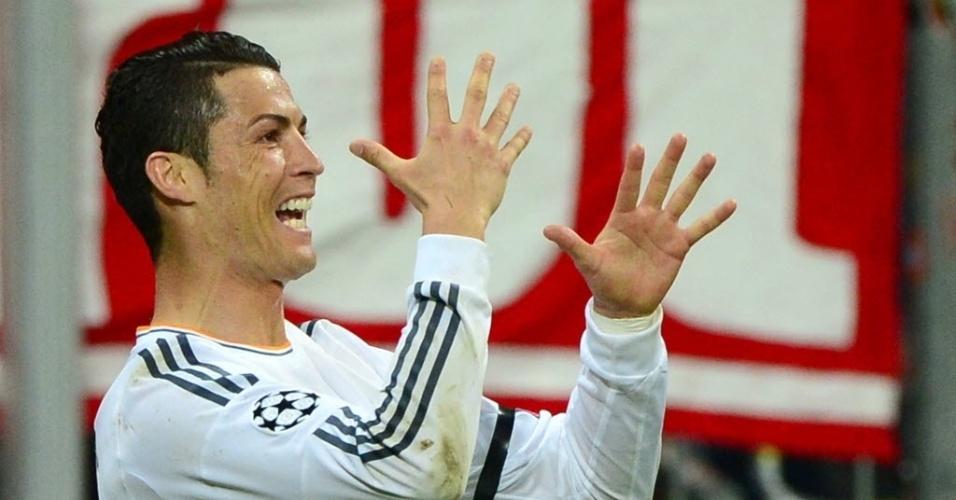 C. Ronaldo celebra após marcar o terceiro do Real Madrid (29.abr.2014)