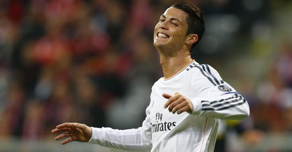 Cristiano Ronaldo lamenta chance perdida na partida contra o Bayern na Liga (29.abr.2014)