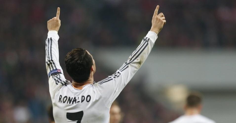 Ronaldo marcou o terceiro do Real e virou o maior artilheiro de uma Liga (29.abr.2014)