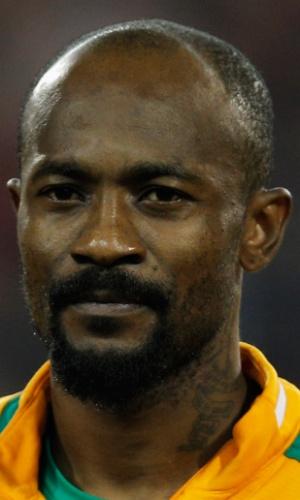 05.mar.2014 - Didier Zokora, da Costa do Marfim, fica perfilado antes do amistoso contra a Bélgica em Bruxelas