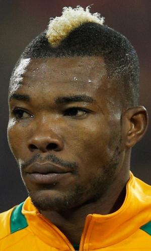 05.mar.2014 - Geoffrey Serey Die, da Costa do Marfim, fica perfilado antes do amistoso contra a Bélgica em Bruxelas