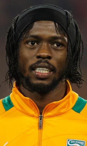 05.mar.2014 - Gervinho, da Costa do Marfim, canta o hino nacional antes do amistoso contra a Bélgica em Bruxelas