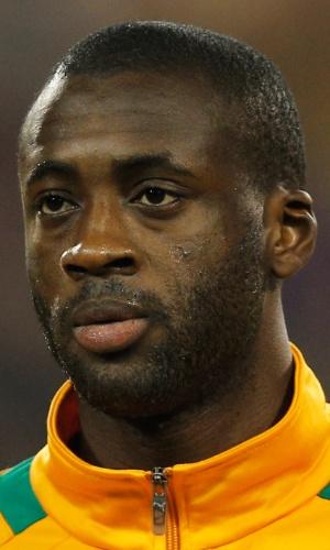 05.mar.2014 - Yaya Touré, da Costa do Marfim, canta o hino nacional antes do amistoso contra a Bélgica em Bruxelas