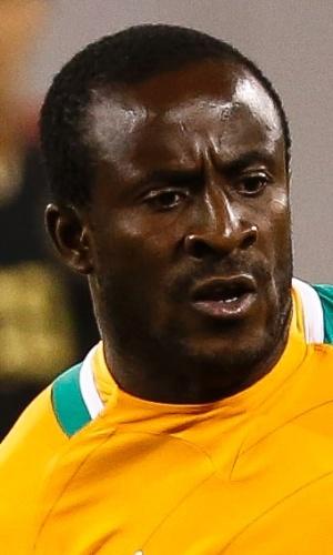 14.ago.2013 - Seydou Doumbia, da Costa do Marfim, observa seus companheiros durante o amistoso contra o México em Nova Jersey