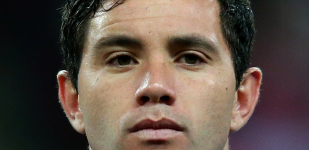 Lateral esquerdo Eugenio Mena é titular da seleção chilena, comandada pelo técnico Jorge Sampaoli