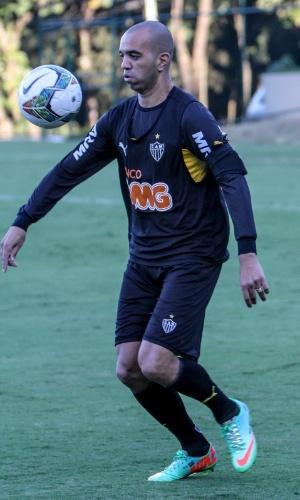 30 abril 2014 - Diego Tardelli, que deixou treino da véspera mais cedo, participou normalmente da atividade do Atlético-MG nesta quarta-feira