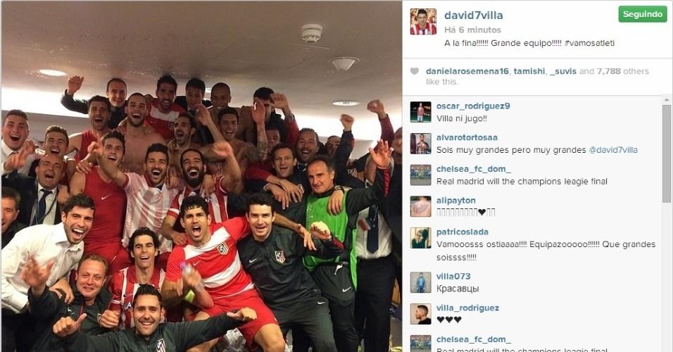 No vestiário, jogadores do Atlético de Madri comemoram vitória e vaga na final (30.abr.2014)