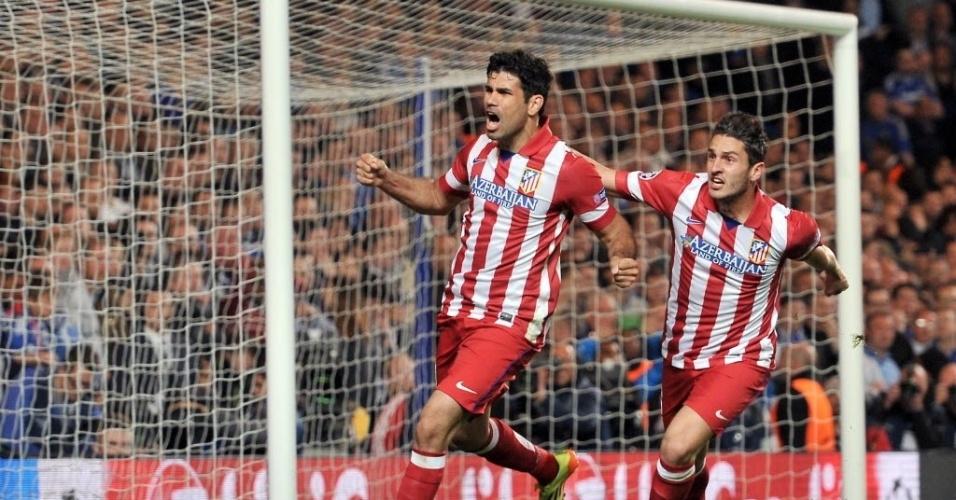 Diego Costa comemora após marcar o segundo do Atlético de Madri, de pênalti (30.abr.2014)