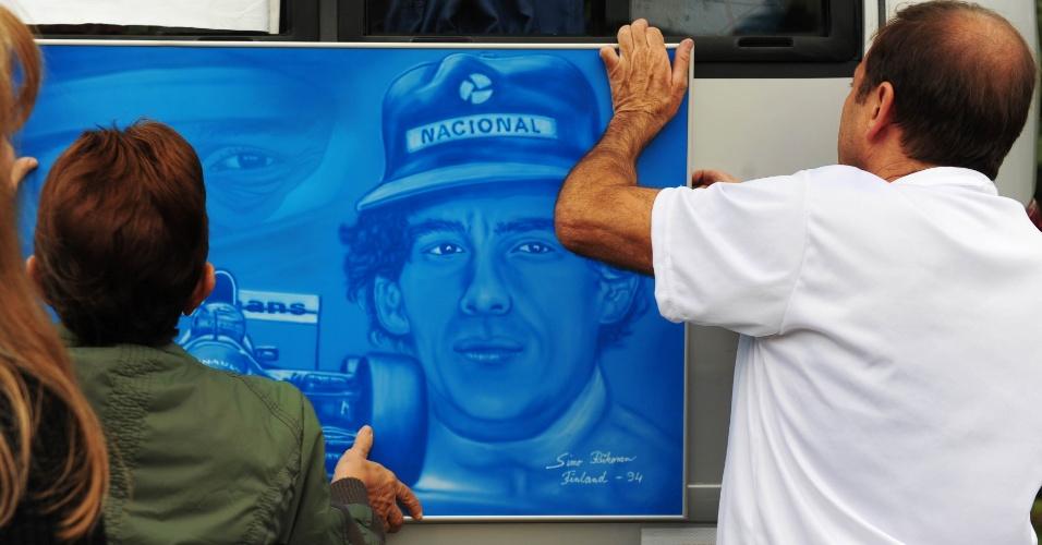 Cemitério em que Senna foi enterrado amanheceu nesta quinta-feira com homenagens ao ex-piloto