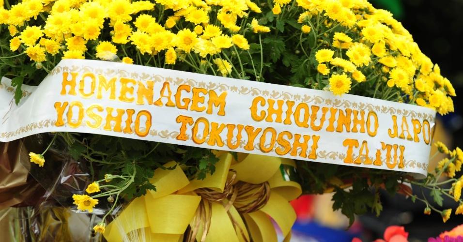 Flores enviadas por fã