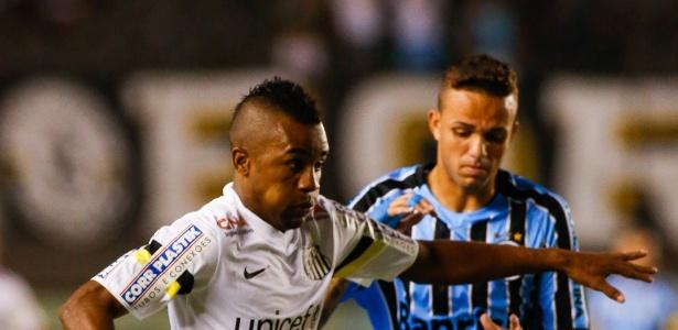Santos não sai do zero com o Grêmio e segue sem vencer no Brasileiro -  03 05 2014 - UOL Esporte b8798dacc08ac