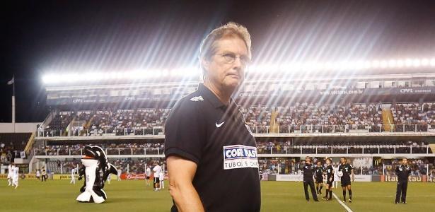 Somando três passagens - duas como técnico -, Oswaldo teve 60 partidas no Santos e atingiu 34 vitórias