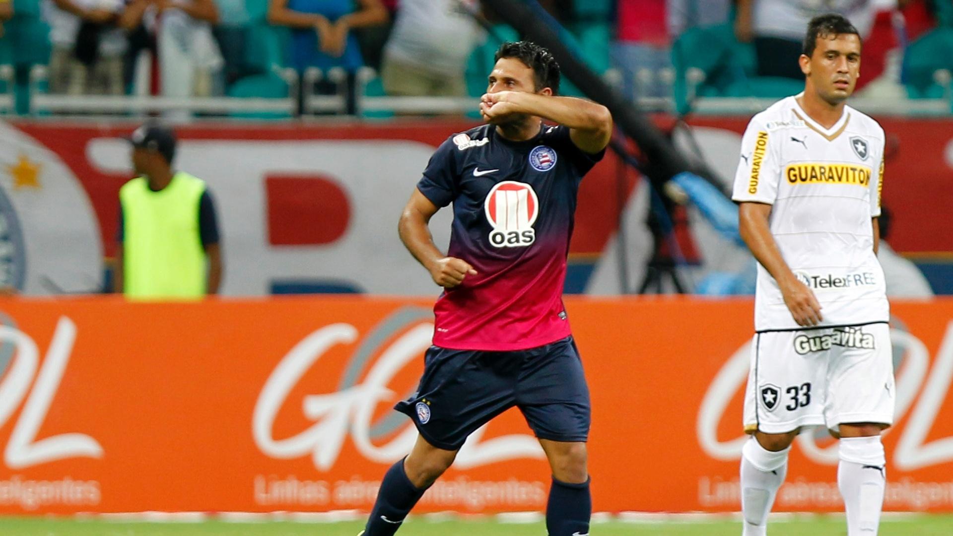 04.mai.2014 - Maxi Biancucchi comemora ao marcar um gol para o Bahia contra o Botafogo em jogo válido pelo Campeonato Brasileiro
