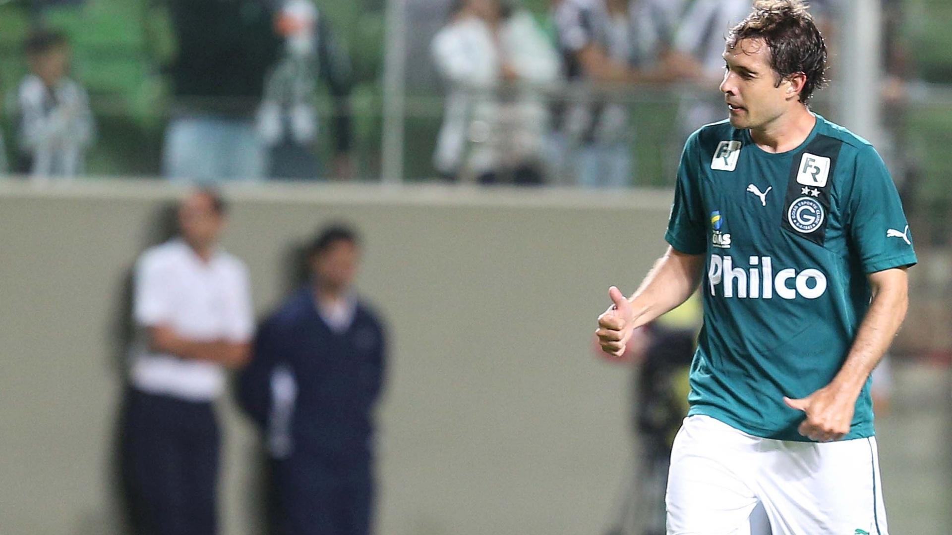 04.mai.2014 - Volante David comemora o gol do Goiás na partida contra o Atlético-MG, na Arena Independência
